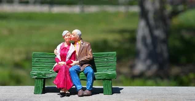 Yaşlı dul bayanlar